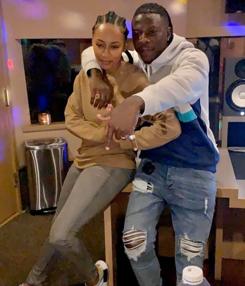 """Stonebwoy Hits The Studio With """"Knock you down"""" hit maker, Keri Hilson"""