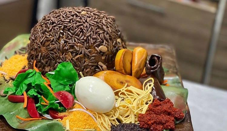 Undiluted Creativity, The Waakye Cake – You Won't Believe This Realistic 3D Cake Made In A Waakye Form