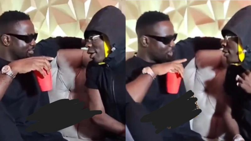 Sarkodie And Shatta Wale Link Up For The First Time After Squashing Their Beef