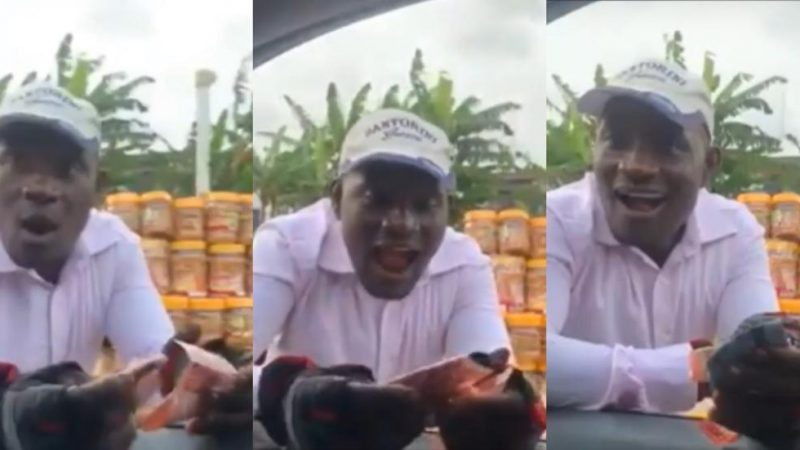 Woman Gifts Local Vendor 500 Cedis For The Good She Did Her Sometime Back When She Was Not Having Money